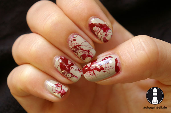 halloween splatter nails blut