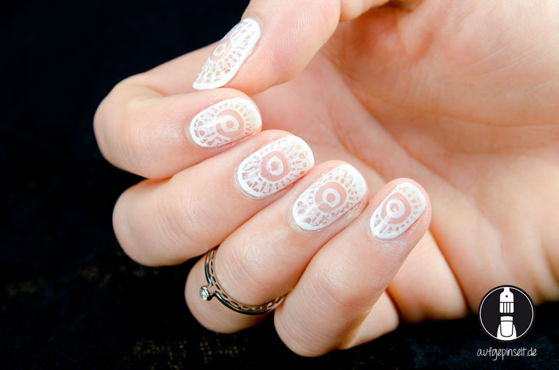 Cut Out Nail Design