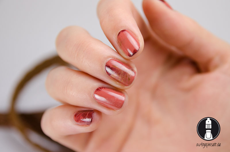 Nageldesign in Marmor-Optik